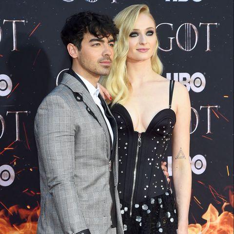 Sophie Turner And Joe Jonas Show Pda At The Game Of Thrones Season