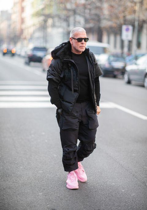 Hombres Vestidos De Rosa Los 10 Mandamientos Para Llevarlo