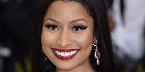 Hair, Face, Facial expression, Beauty, Eyebrow, Lip, Hairstyle, Black hair, Skin, Smile,
