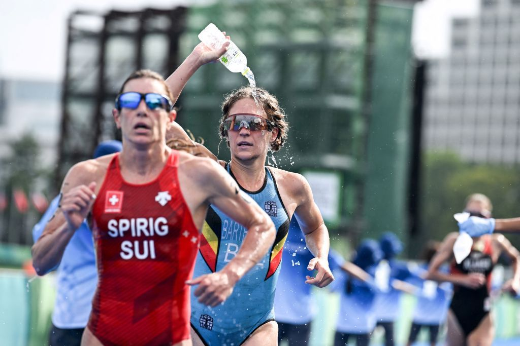 Triatlón de Calvià: Ganan Nicola Spirig y Frederic Funk