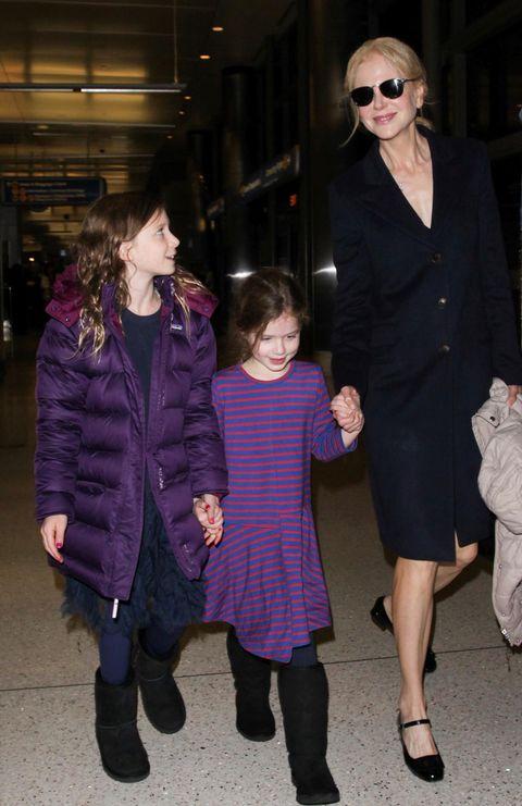 Nicole Kidman con sus hijas Sunday y Faith