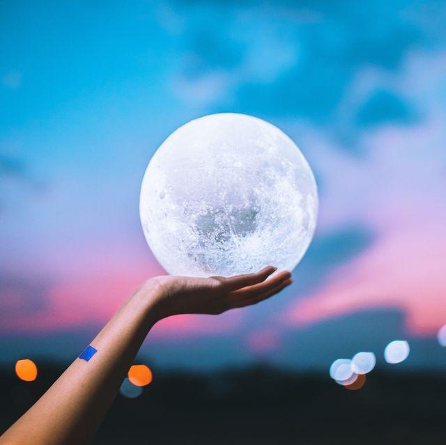 Nieuwe maan in Leeuw juli-augustus 2019