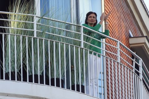Nieves Álvarez en su balcón