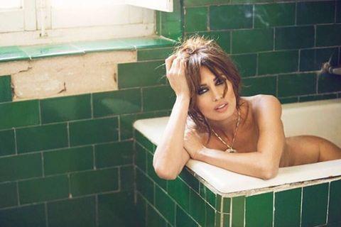 Bathing, Bathtub, Room, Bathroom, Washing, Plumbing fixture,