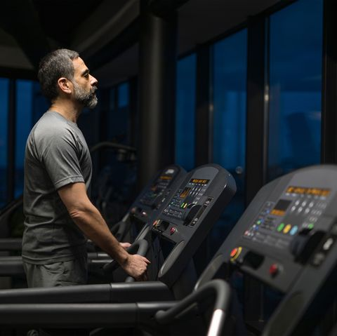 Treadmill, Exercise machine, Exercise equipment, Room, Leisure, Sports equipment,