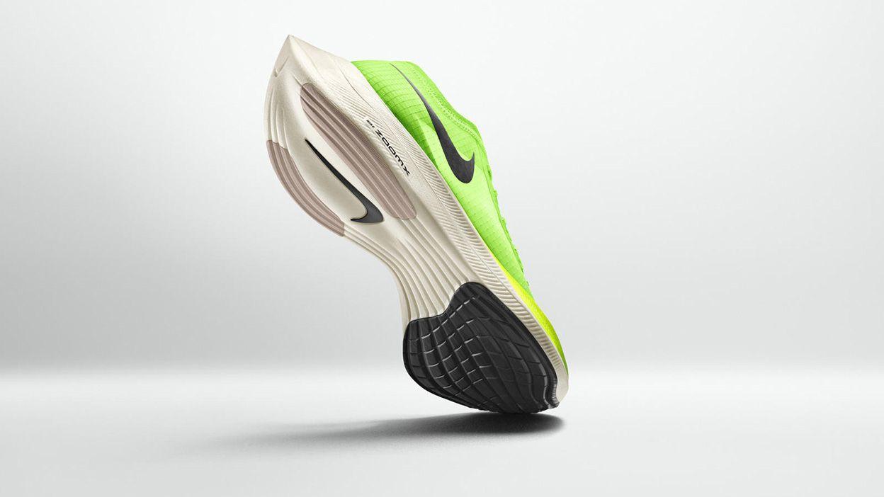 rubber sole sports shoes