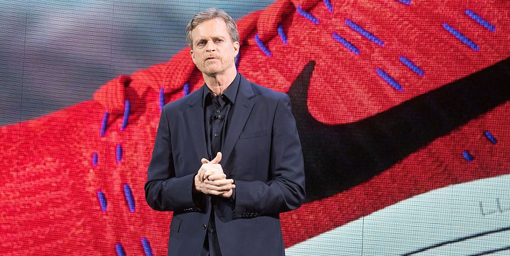 tramo Armonía valor  Nike CEO Mark Parker Steps Down - What Does This Mean for the Swoosh?