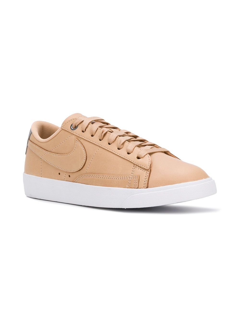 Shop best trainers: Nike trainers