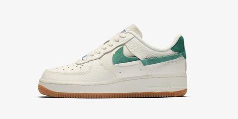 Footwear, White, Shoe, Sneakers, Sportswear, Product, Outdoor shoe, Beige, Walking shoe, Athletic shoe,