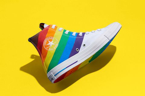converse推出pride彩虹帆布鞋