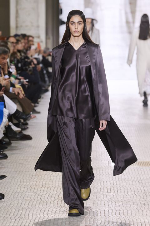 Fashion, Fashion show, Fashion model, Runway, Clothing, Outerwear, Human, Haute couture, Street fashion, Event,