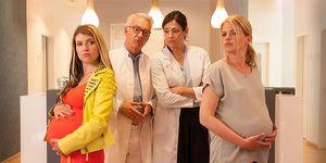Lara Madoki (Jessi), Christoph M. Ohrt,Bettina Zimmermann yMira Bartuschek (Julia) en la película 'Niños sorpresa' (Kinderuberraschung)