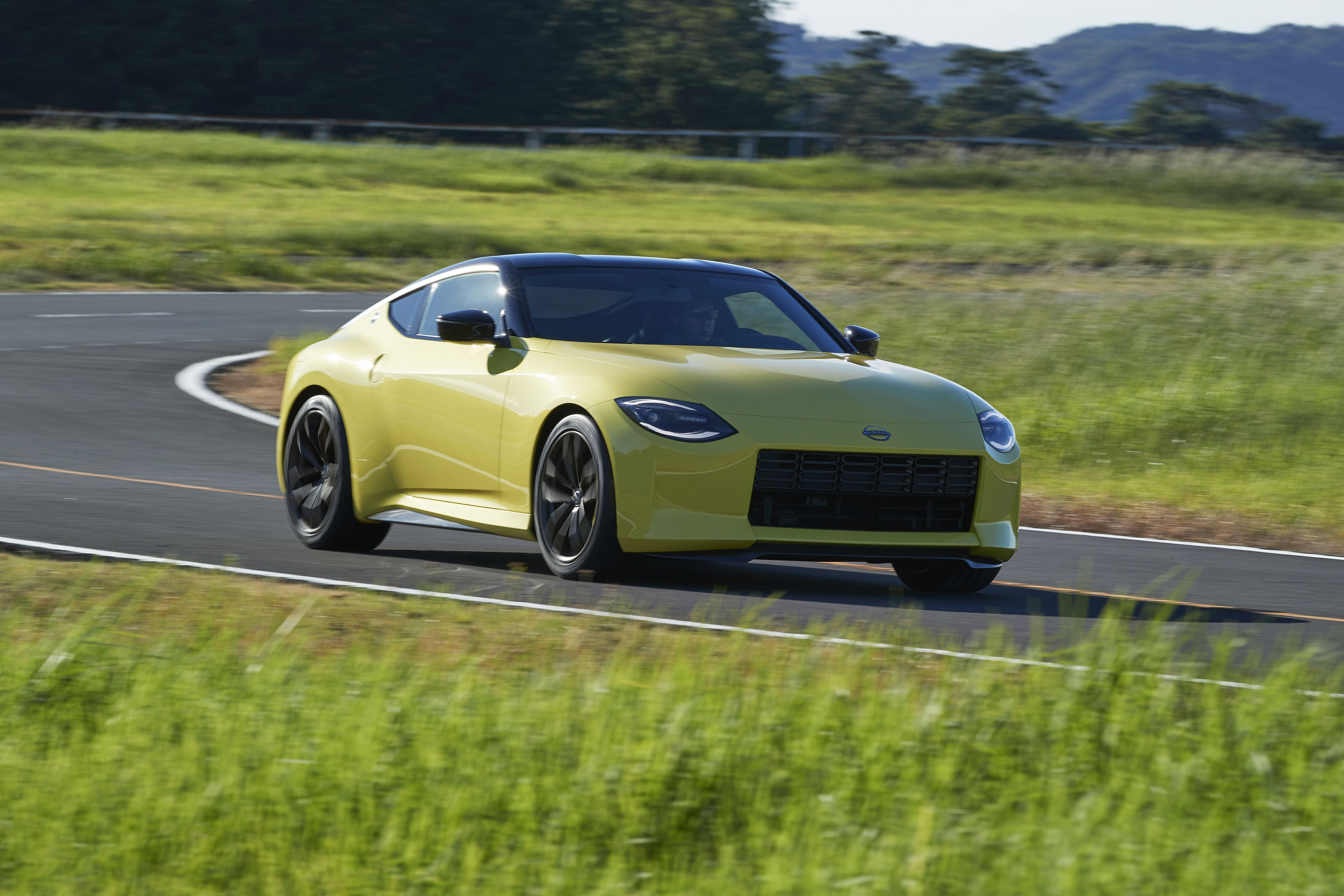 Wild Rumor Says Nissan 400Z Could Have a Better Power-to-Weight Ratio Than the Lotus Evora GT