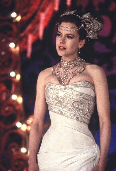 Clothing, Fashion model, Dress, Gown, Shoulder, Wedding dress, Fashion, Beauty, Hairstyle, Haute couture,