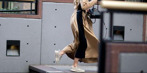 Human leg, Street fashion, Blond, Bag, Sandal, High heels, Calf, Acting, Foot, Ankle,