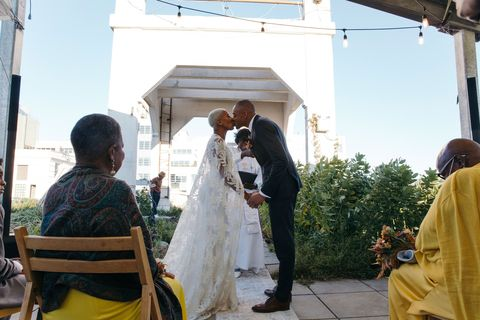 cérémonie baiser