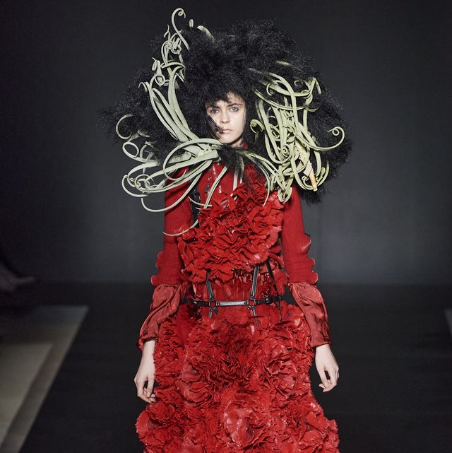Fashion, Clothing, Red, Dress, Fashion design, Haute couture, Costume design, Gown, Textile, Runway,