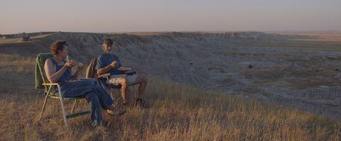 frances mcdormand y david strathairn en la película nomadland foto cortesía de searchlight pictures © 2020 20th century studios todos los derechos reservados