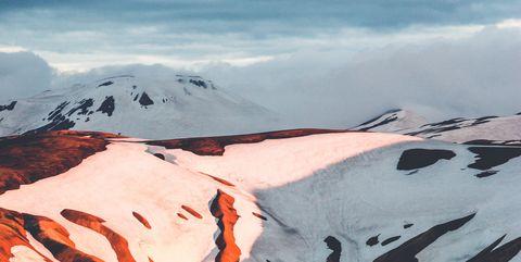Geological phenomenon, Mountainous landforms, Mountain, Mountain range, Glacial landform, Sky, Ridge, Landscape, Glacier, Summit,