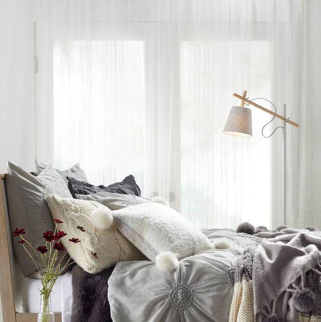 Bedroom, Bed, Bed sheet, Bedding, Furniture, Room, Bed frame, Interior design, Textile, Duvet,