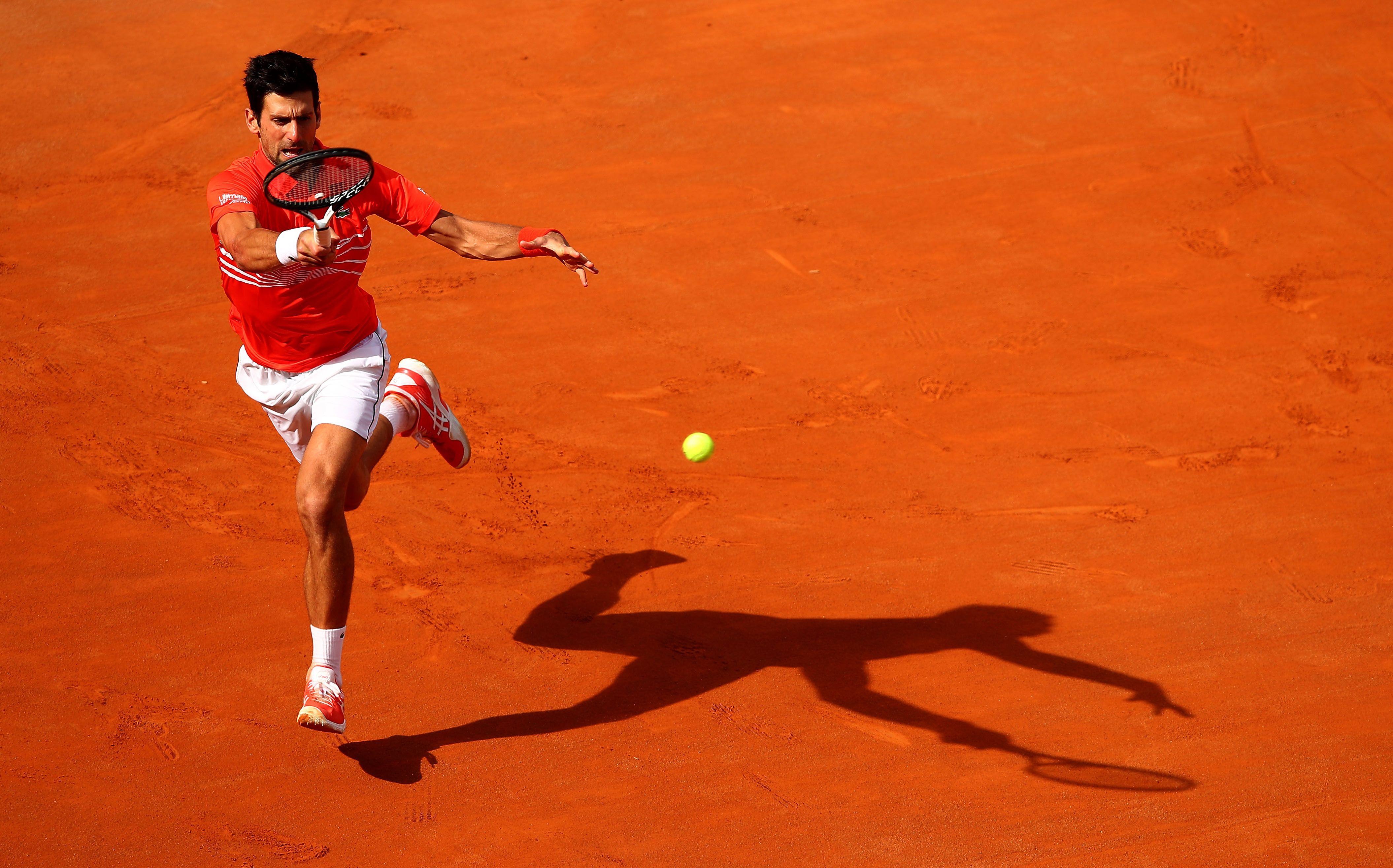 Djokovic prepara la revancha en Roland Garros con sus nuevas zapatillas Court FF Novak de ASICS