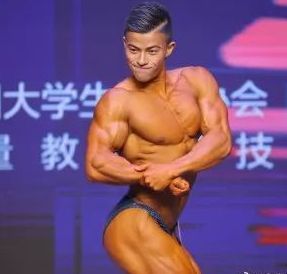 Bodybuilding, Bodybuilder, Barechested, Muscle, Competition event, Physical fitness, Abdomen, Fitness professional, Arm, Competition,