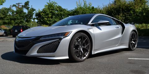 Tire, Wheel, Mode of transport, Automotive design, Vehicle, Rim, Car, Alloy wheel, Personal luxury car, Automotive lighting,