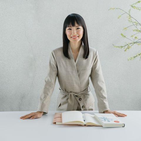 Sitting, Uniform, White-collar worker,