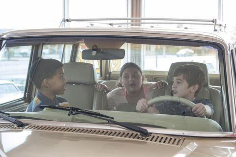 Motor vehicle, Vehicle, Car, Mode of transport, Automotive exterior, Auto part, Automotive window part, Family car, Windshield, Driving,
