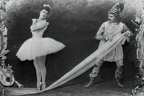 Fashion, Footwear, Vintage clothing, Black-and-white, Dress, Ballet dancer, Headgear, Photography, Illustration, Shoe,