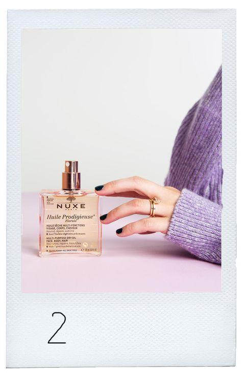 Nuxe Huile Prodigieuse Floral Spray Flacon Beauty Blijvertjes gefotografeerd door Florine van Rees voor ELLE oktober 2019 jubileumnummer