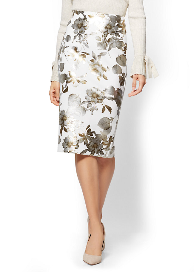 7689056f2 20 Spring Skirts to Buy Now