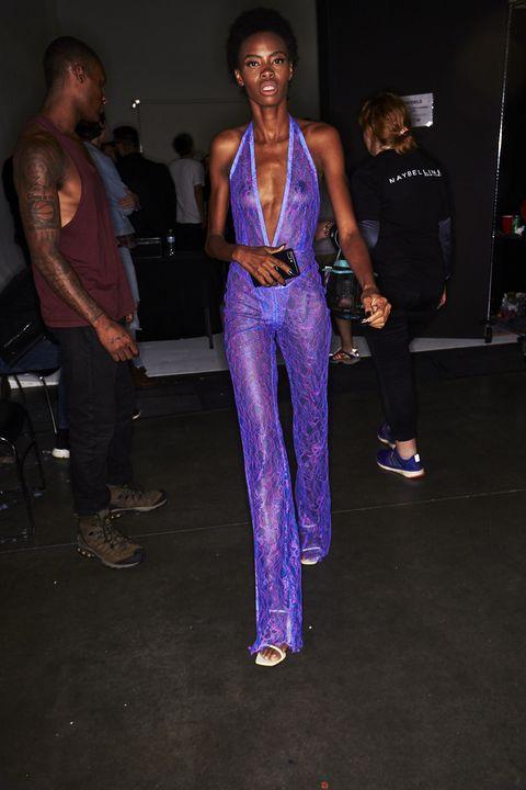 Fashion, Cobalt blue, Electric blue, Event, Fashion design, Fashion show, Model, Muscle, Performance, Haute couture,