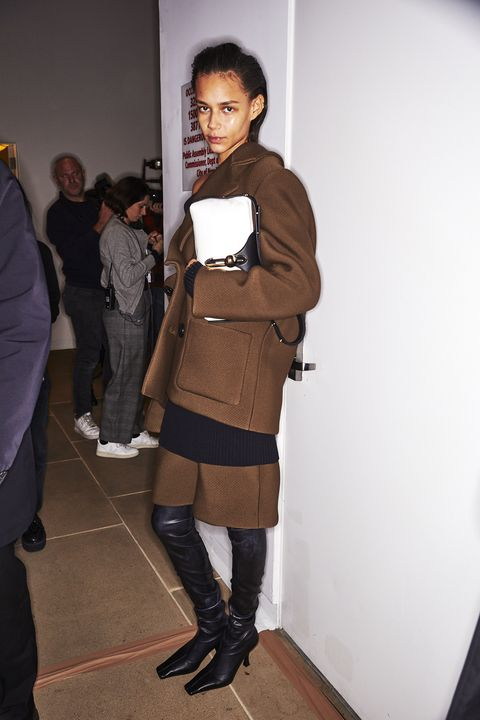 Clothing, Fashion, Joint, Knee, Leg, Outerwear, Brown, Footwear, Thigh, Tights,