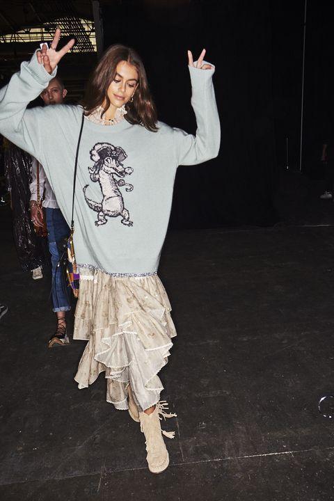 Fashion, Fun, Joint, Human body, Leg, Outerwear, Performance, Dancer, Event, Dance,