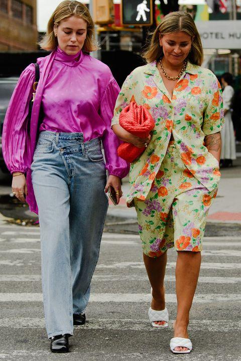 People, Street fashion, Clothing, Fashion, Pink, Snapshot, Hairstyle, Jeans, Blond, Walking,