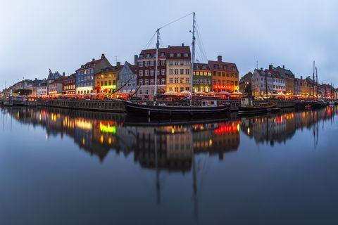 Copenaghen, 9 libri da leggere prima di partire per entrare in sintonia con la città (e lo spirito) danese