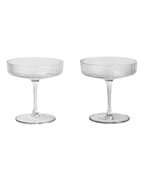 Drinkware, Tableware, Glass, Stemware, Cake stand, Table, Champagne stemware, Serveware, Furniture, Bar stool,