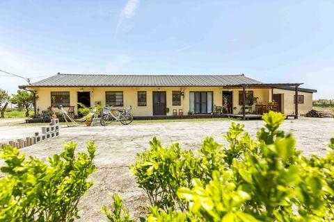 Property, House, Home, Real estate, Building, Estate, Land lot, Cottage, Rural area, Landscape,