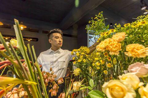 Floristry, Flower, Yellow, Flower Arranging, Floral design, Plant, Botany, Spring, Cut flowers, Bouquet,