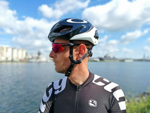 oakley aro5 review