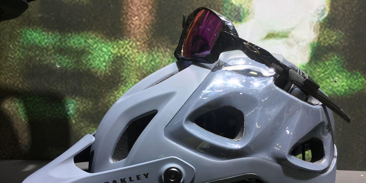 Oakley Is Now Making Mountain Bike Helmets and Apparel