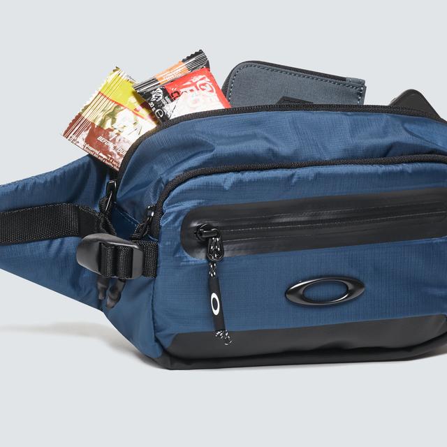oakley outdoor belt bag