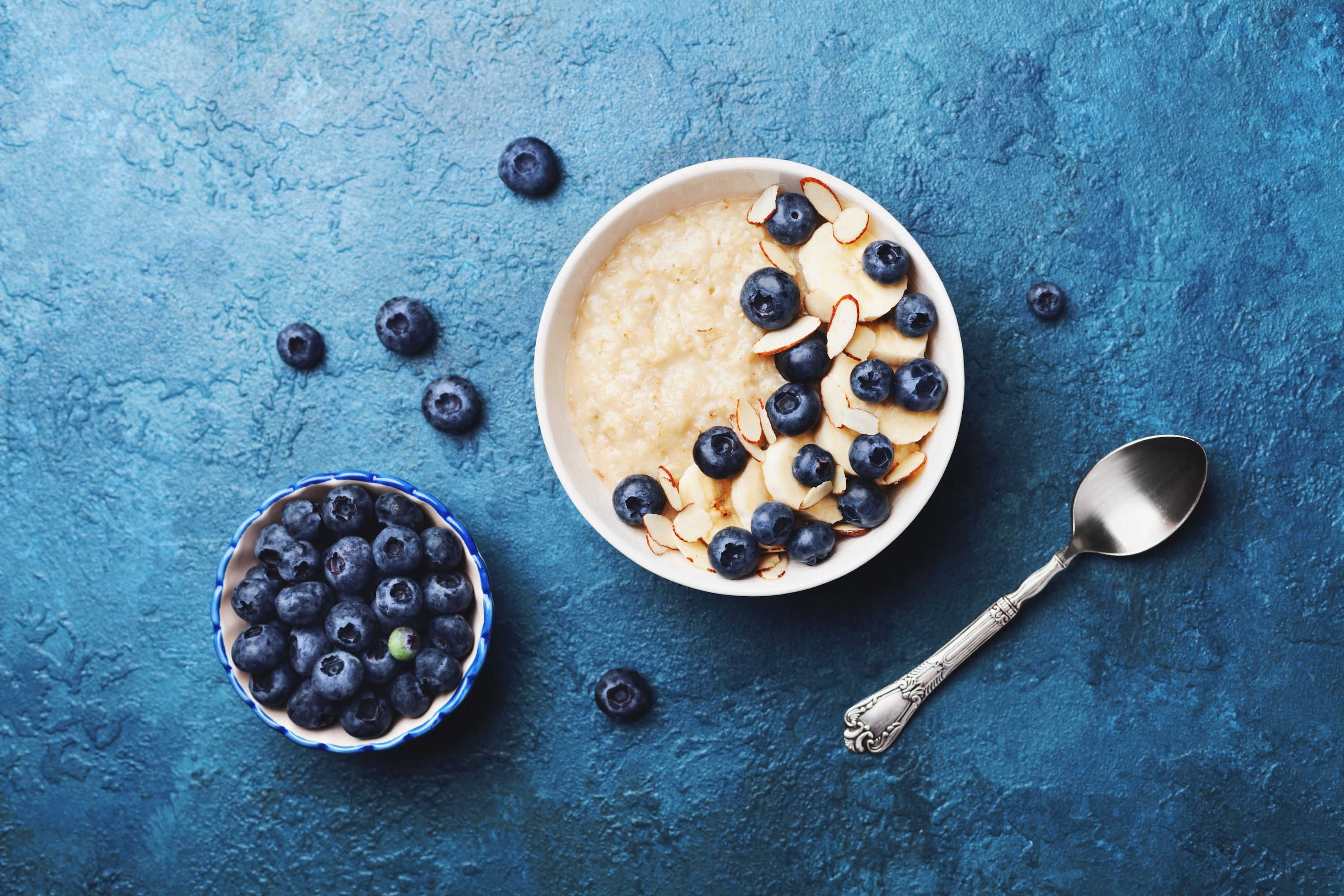 oatmeal and fresh blueberries