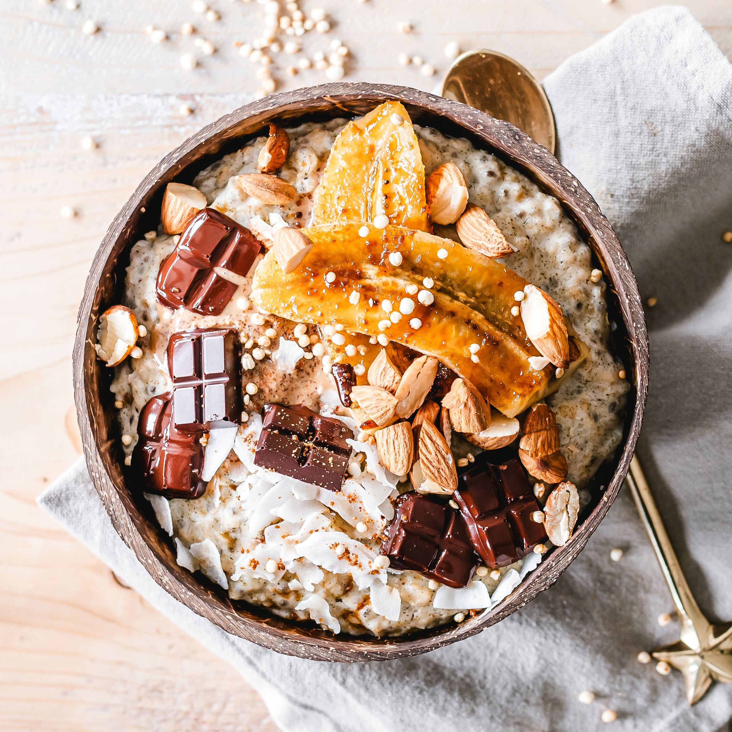 The 30 Best Healthy Oatmeal Toppings To Fill You Up, According To Nutritionists