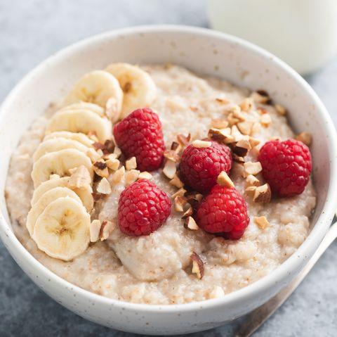 oatmeal porridge with fruits, healthy breakfast