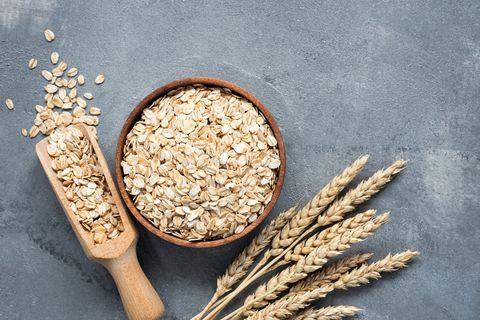 oats, rolled oats, whole grains オートミールとは
