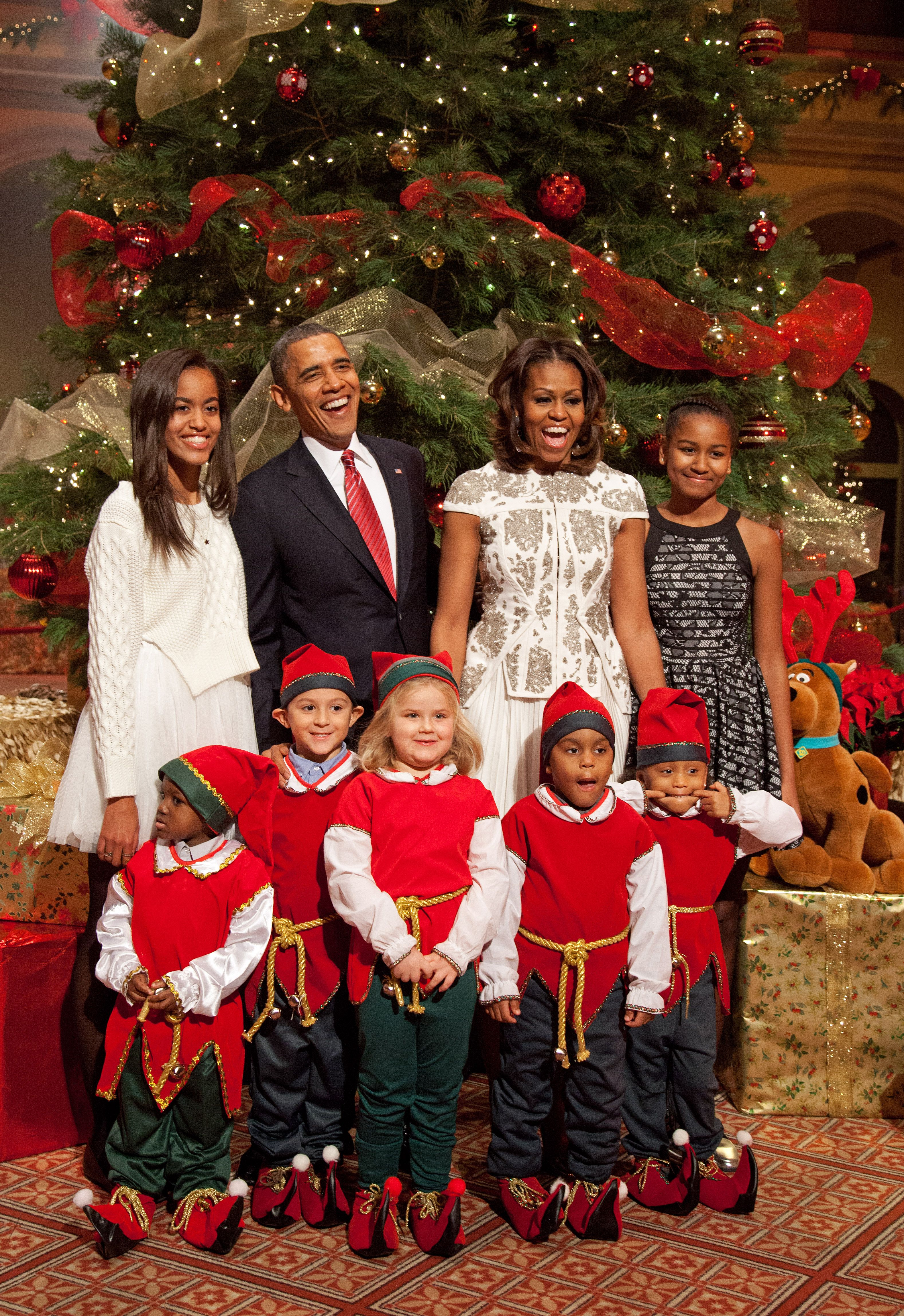 Obama Family Photos Through the Years - Our Favorite Pictures of the ...