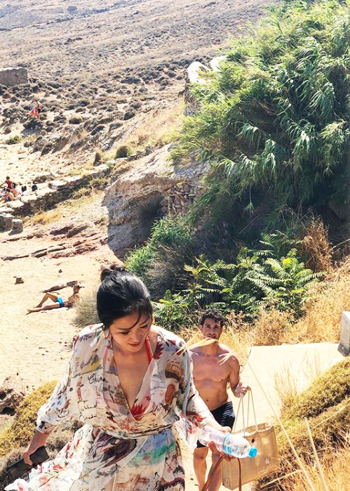 5 chic ways to really do Mykonos by Oscar de la Renta's Laura Kim and Fernando Garcia