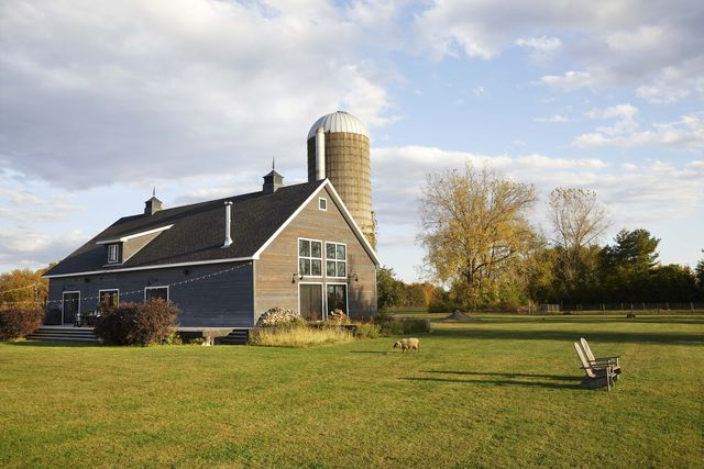 exterior of barn in new york
